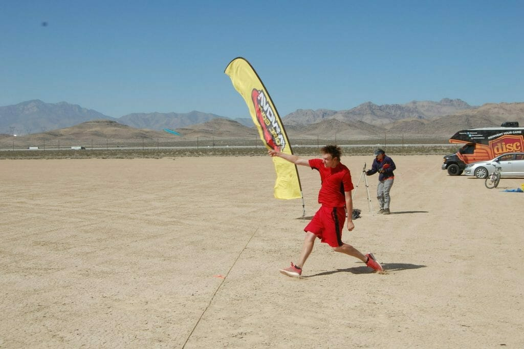 Simon Lizotte set a new WFDF distance world record at the High Desert Distance Challenge in Primm, Nev.