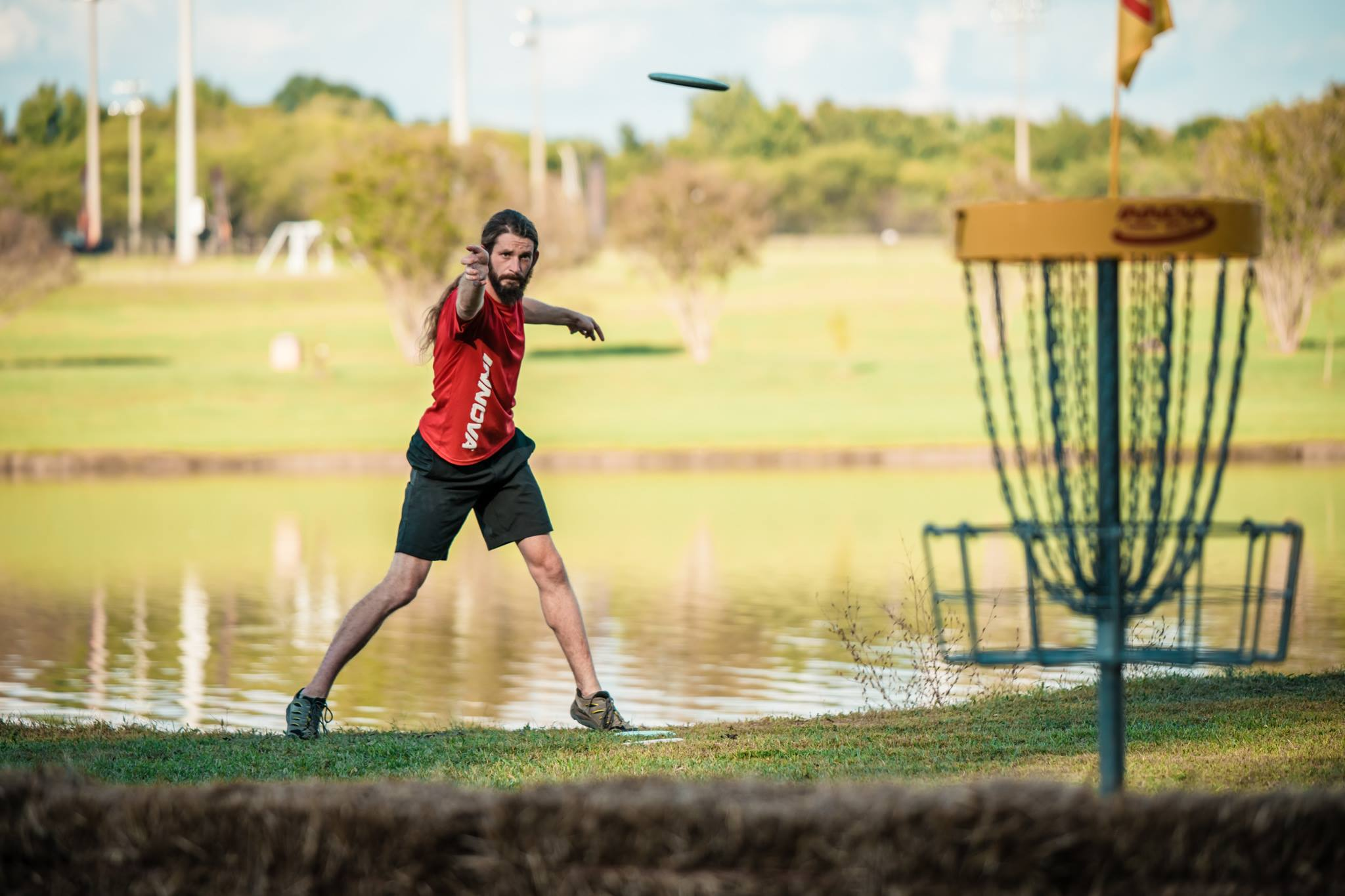 Jones Catches Fire As Mcbeth Goes Cold Ultiworld Disc Golf